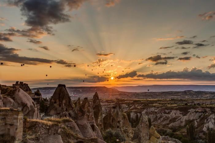 10 Peșteri disponibile pentru cazare pe timp de vacanță în Turcia