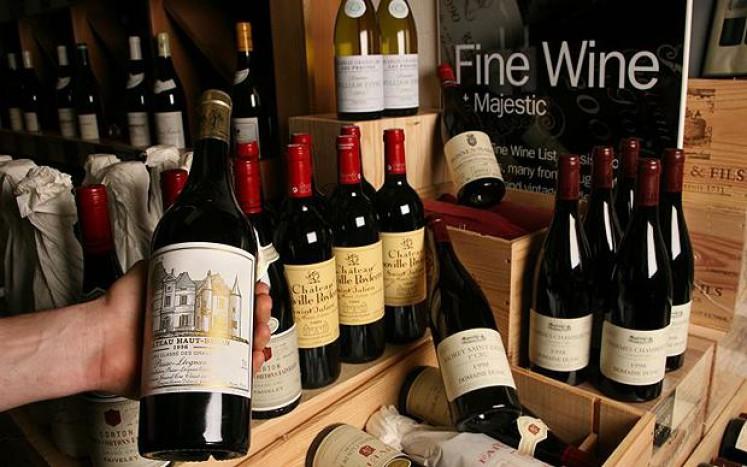 Cum se degustează corect vinul?