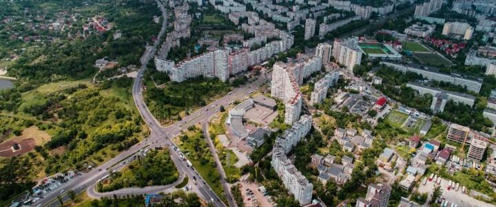 4 locuri de vizitat in Chisinau, unde verdeața naturii se menține tot anul împrejur.