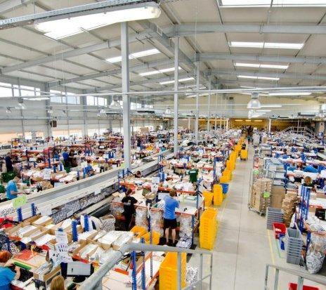 Ofertă - Lucru in Europa la depozit de haine(Zara,H&M,Bershka)
